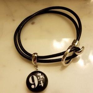 ⚡Harry Potter 9 3/4 Platform Snap Leather Bracelet